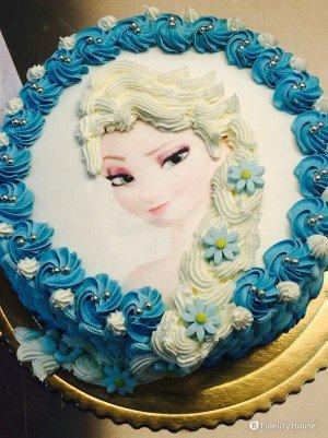 Torta di compleanno con Elsa di Frozen