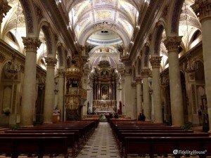 Interno Basilica di San Giovanni Battista a Vittoria (Rg)