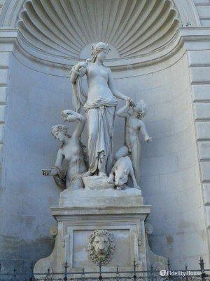 Fontana con la statua di Teti – Trieste