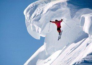Salto da temerario con gli sci